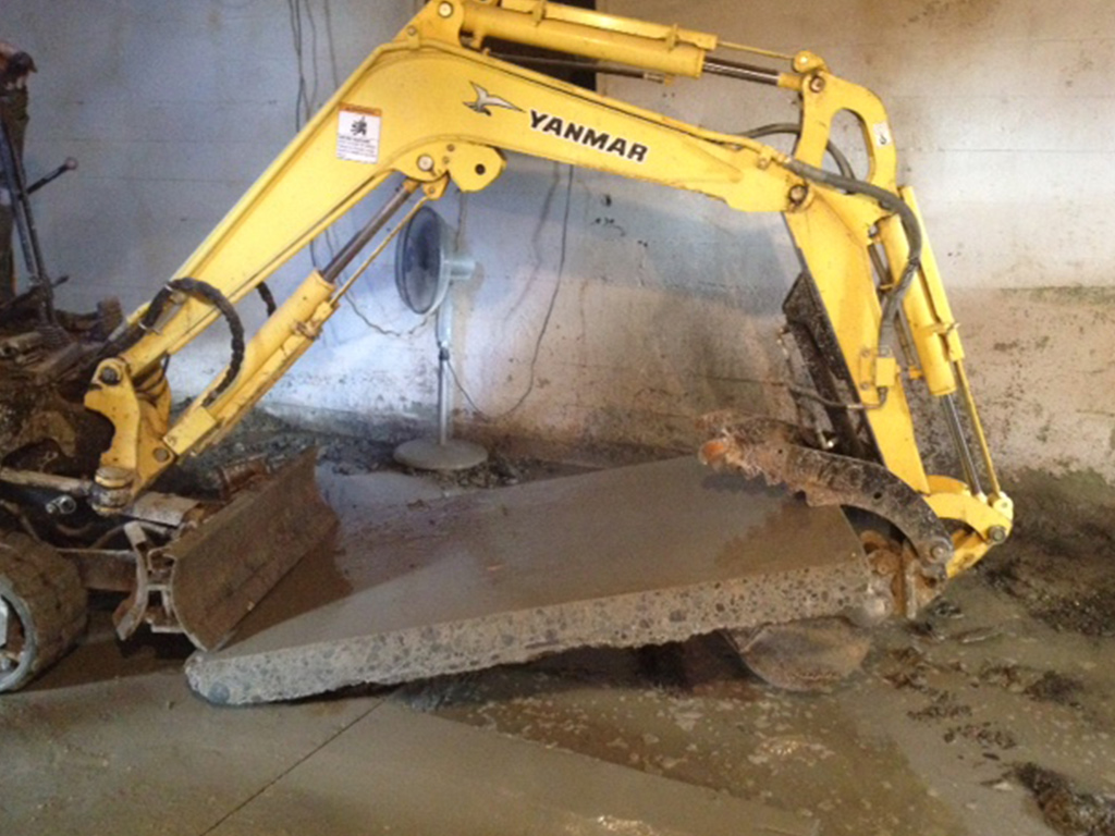 Take out old concrete? Dirty Digger