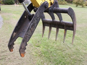 Dirty Digger Contracting Services - VIO 35 Bush Rake